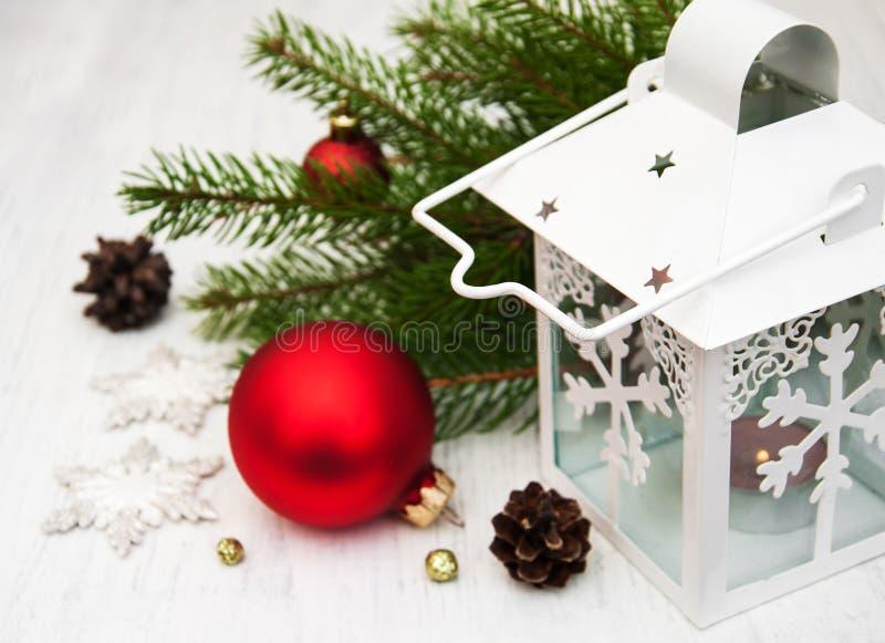 Украшение и электрофонарь рождества стоковые фото
