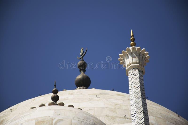 Украшение на куполе Тадж-Махала стоковые фото