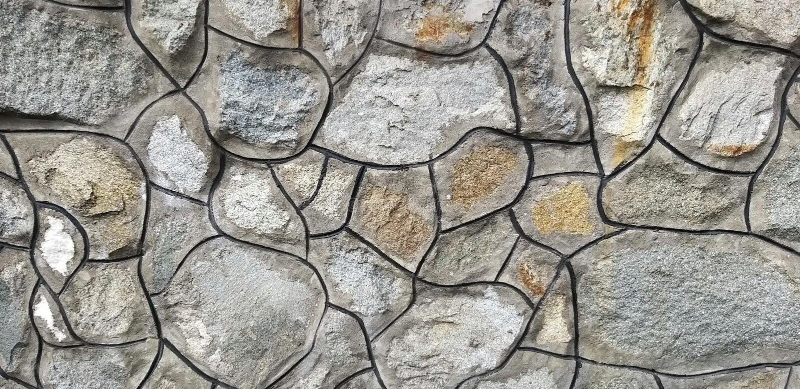 Украшение от небольших камешков и цемента стоковые фото