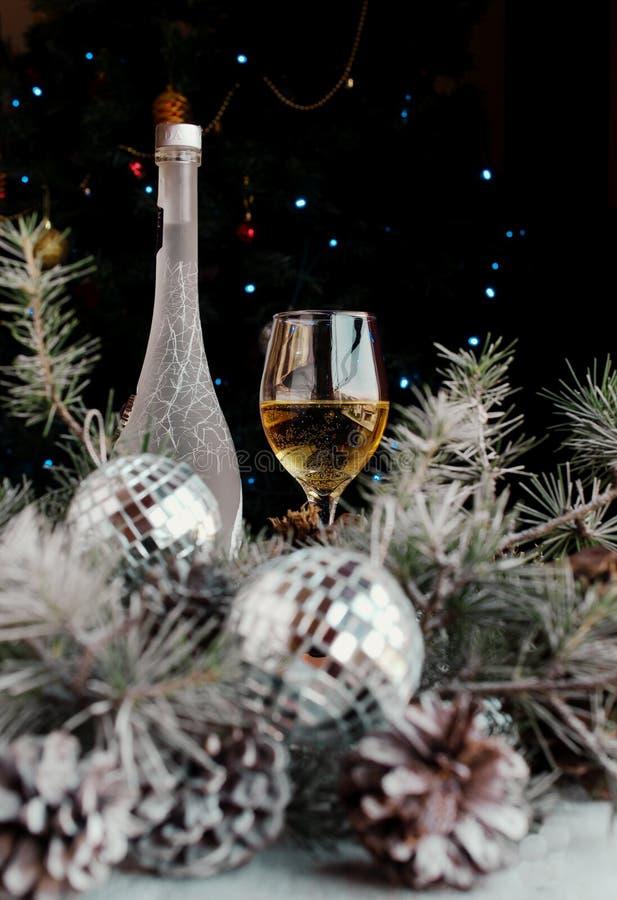 Украшение рождества с ветвями ели стоковое фото