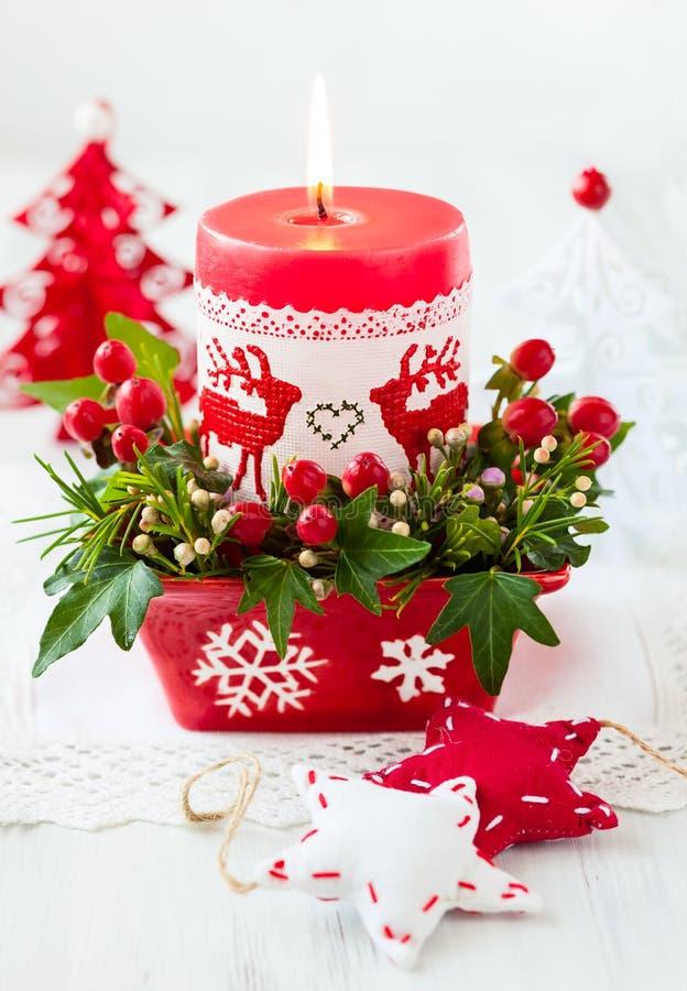 Украшение таблицы рождества с свечой стоковое изображение