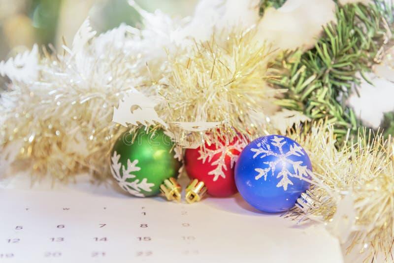 Украшение шарика рождества для Рожденственской ночи и Happ торжества стоковые изображения rf