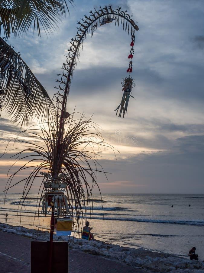 Украшение Penjor для балийского торжества Galungan тюкованный стоковые фото