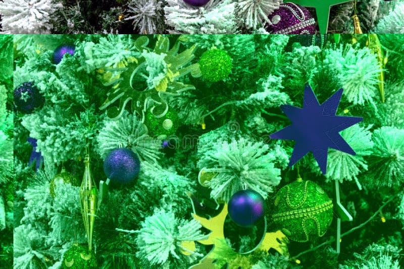 Украшения, звезды и игрушки небольшого затруднения пурпура и цвета золота на дереве Нового Года Абстрактная предпосылка рождества стоковые изображения