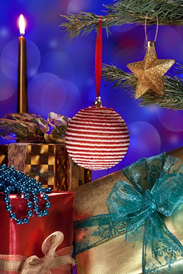 Украшения и подарки рождества стоковые фотографии rf