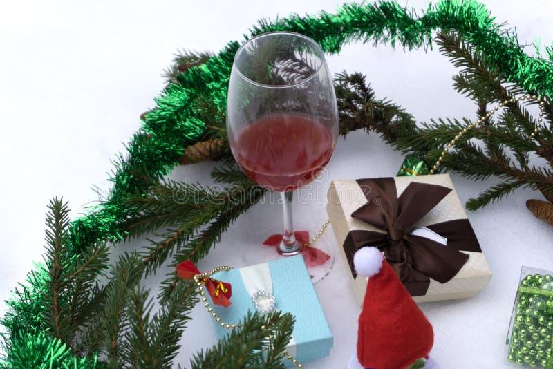 Украшения праздника подарочных коробок и рождества Счастливый длинный праздник выходных стоковые изображения