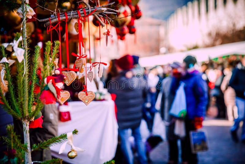 Украшения рождества на альте рождественская ярмарка Адидже Trentino, Италии стоковое изображение