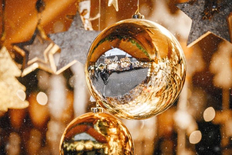 Украшения рождества на альте рождественская ярмарка Адидже Trentino, Италии стоковая фотография