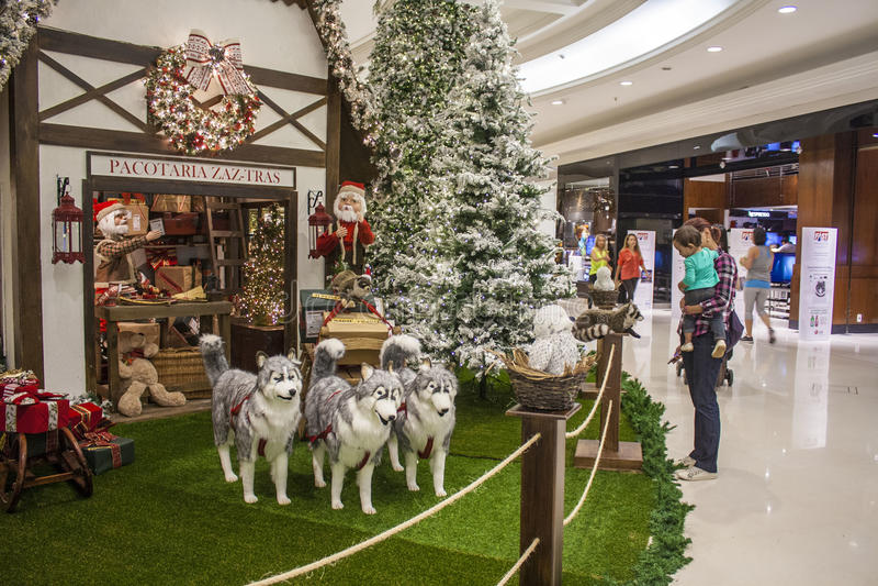 Украшения рождества на покупке - São Paulo стоковое фото rf