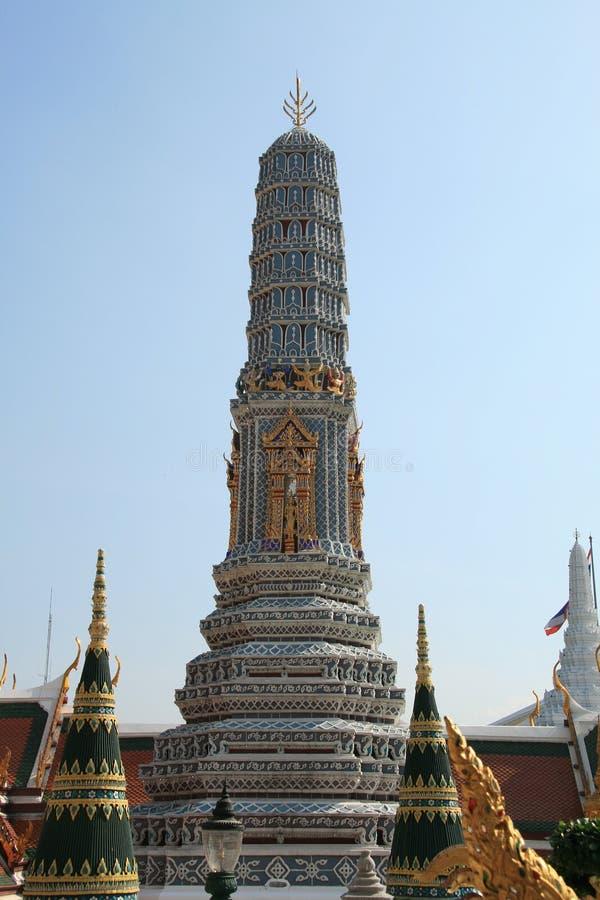 Украшенная голубая башня королевского дворца, Бангкок 2 стоковые фотографии rf