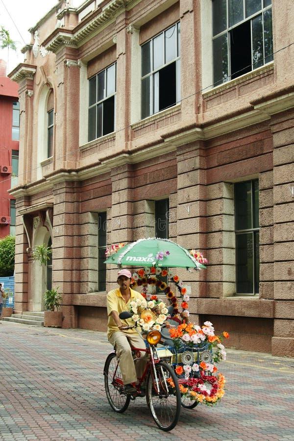 Украшенная рикша trishaw или трицикла в исторических Малакке или Melaka, Малайзии стоковая фотография