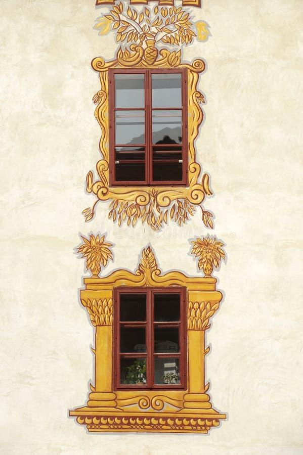 Украшенные окна замока стоковые фотографии rf