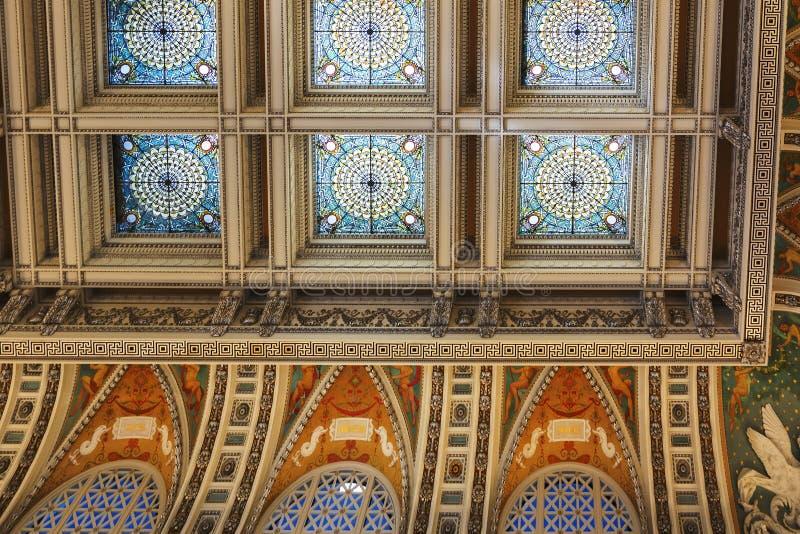 Украшенный потолок внутри большого зала Библиотеки Конгрессаа в Вашингтоне d C , США стоковое изображение rf