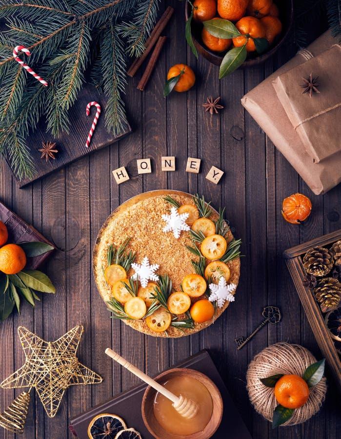 Download Украшенный торт меда рождества Стоковое Изображение - изображение: 106251443