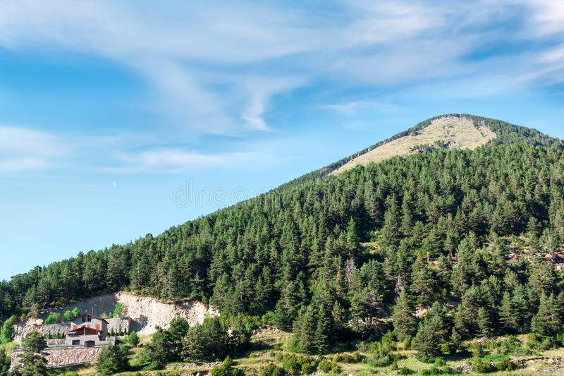 Укрытие в горах стоковые фото