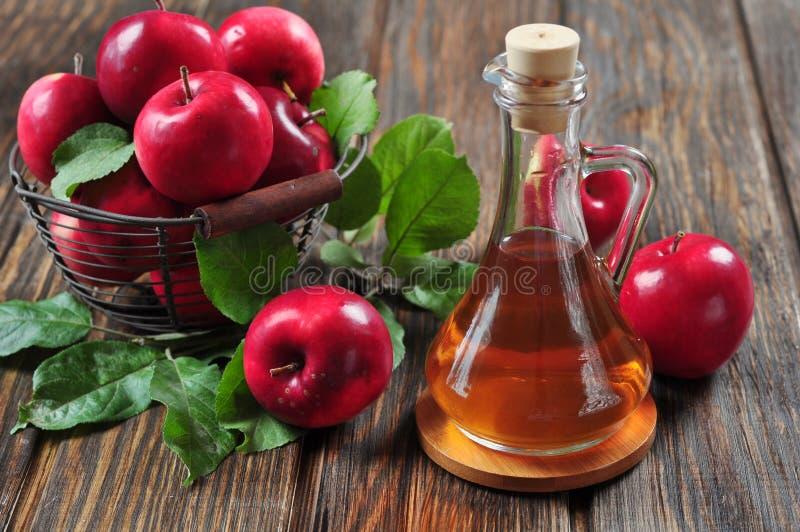 Уксус яблочного сидра стоковые фотографии rf