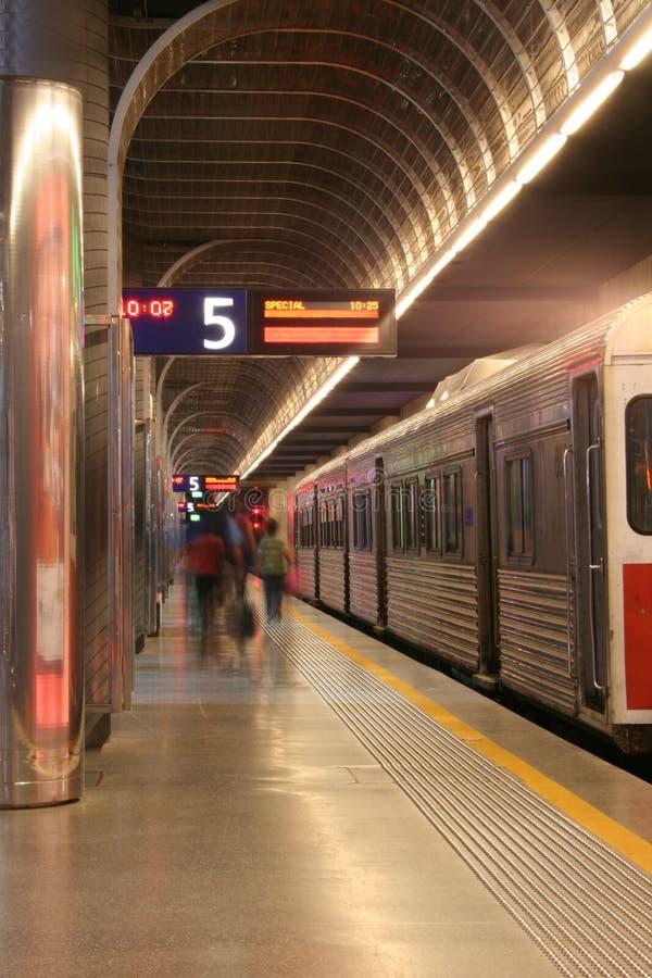 Улавливать поезд стоковое изображение rf