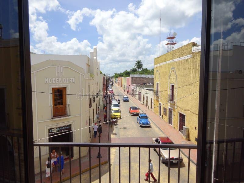 Улица в маленьком городке в Юкатане стоковая фотография
