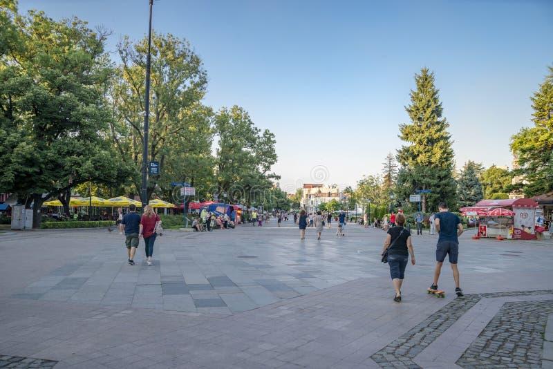 Улица в уловке в Болгарии стоковая фотография rf