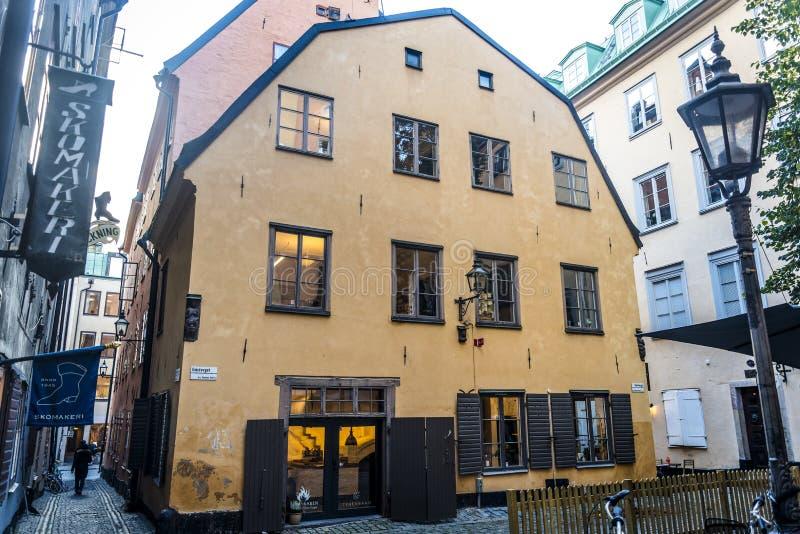Улица в Gamla Stan или старом городке, Стокгольме, Швеции стоковые изображения