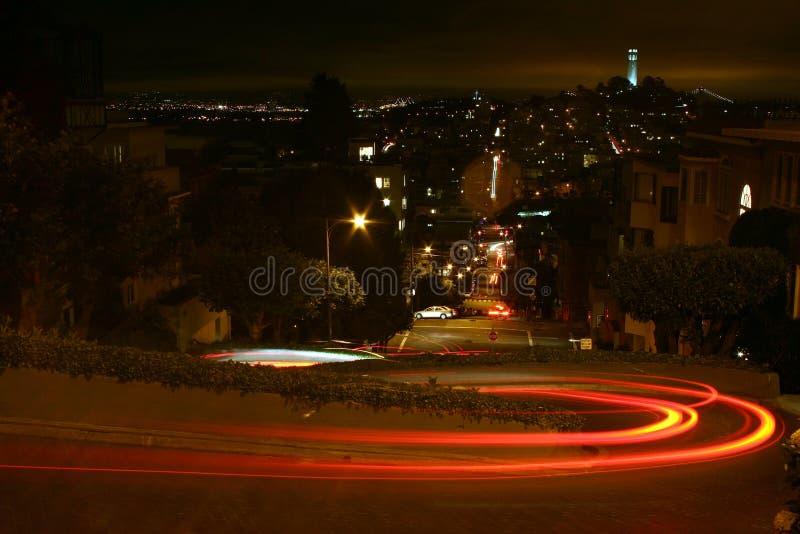 Download улица ночи lombard стоковое изображение. изображение насчитывающей francisco - 477771