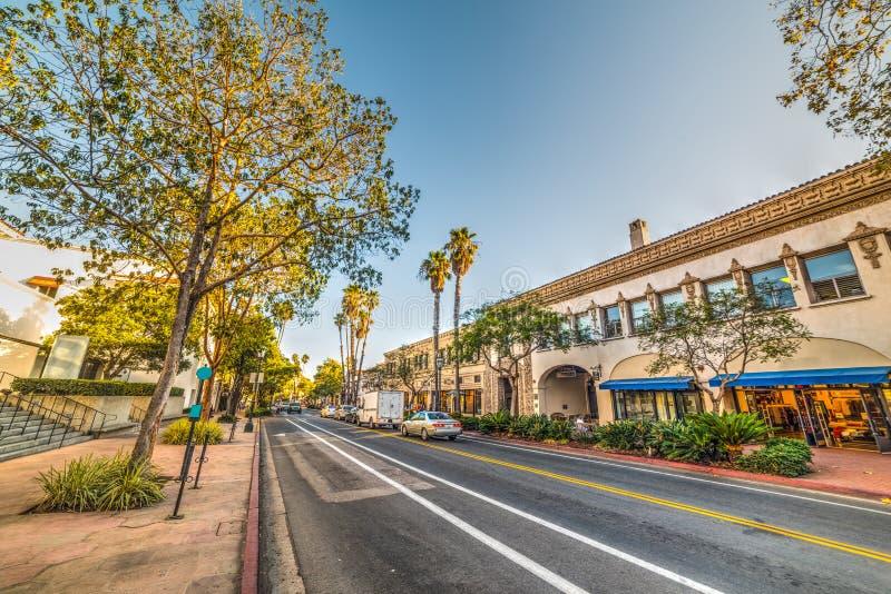 Улица положения в Санта-Барбара на заходе солнца стоковое изображение
