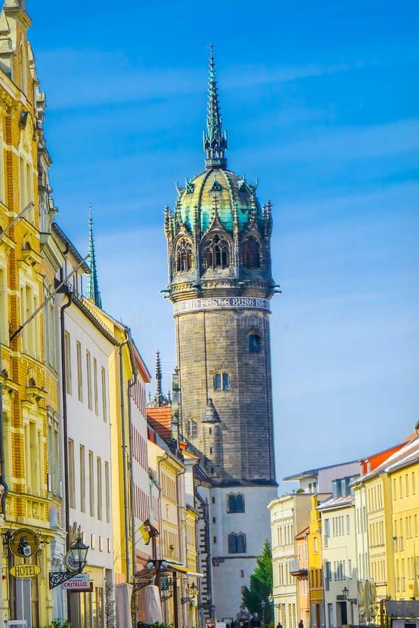 Улица снега весь Ge Schlosskirche Wittenberg церков замка Святых стоковое фото