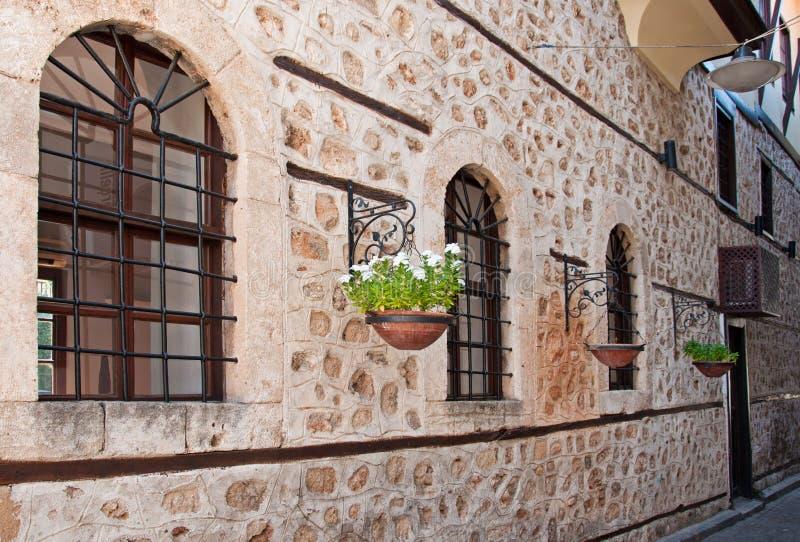 Улица старого городка Kaleici в Анталье, Турции стоковые фото