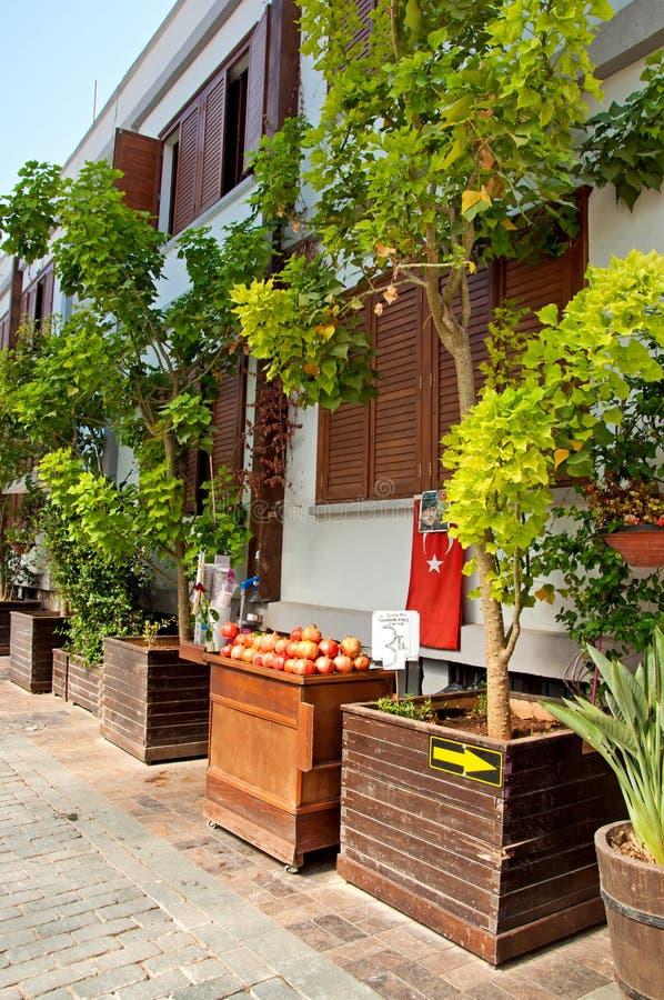 Улица старого городка Kaleici в Анталье, Турции стоковое изображение rf