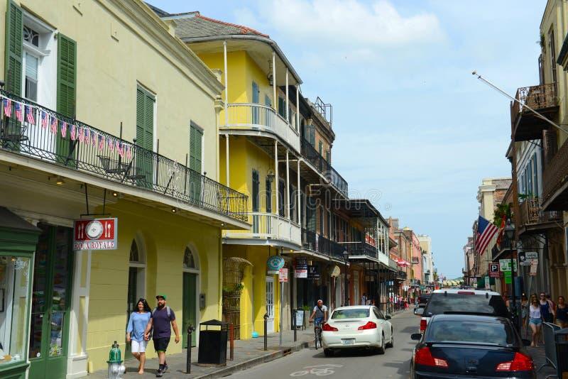 Улица Тулуза в французском квартале, Новом Орлеане стоковая фотография rf