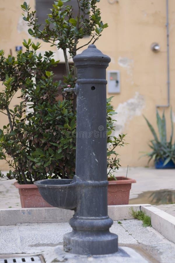 Улица хорошо в Италии стоковая фотография
