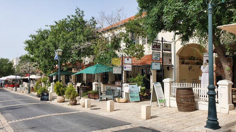 Улица famouse Hameyasdim в Zichron yaakov стоковые изображения rf