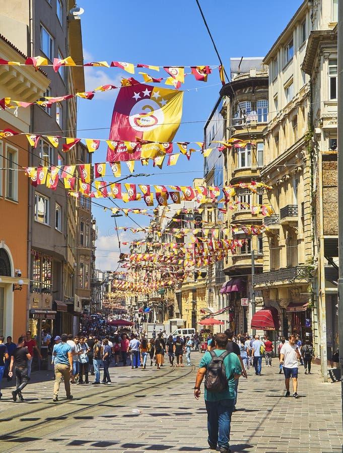 Улица Stiklal Район Beyoglu Стамбул, Турция стоковое изображение
