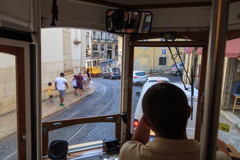 Улицы Лиссабона от трамвая стоковая фотография rf