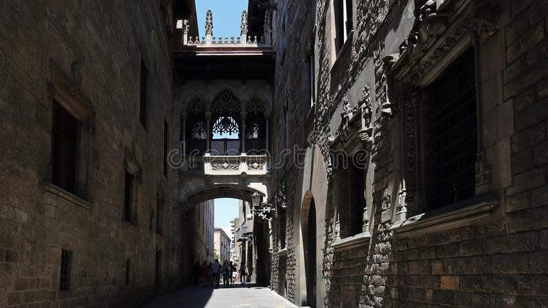 Улицы Barri Gotic в Барселоне, Каталонии, Испании стоковое изображение