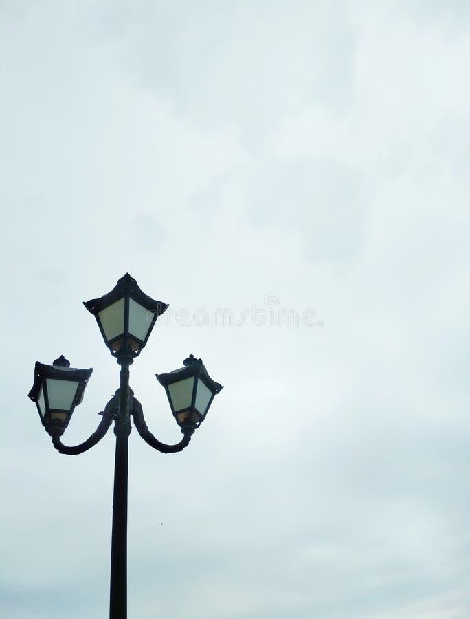 Уличный свет, архитектурноакустическое решение стоковое фото