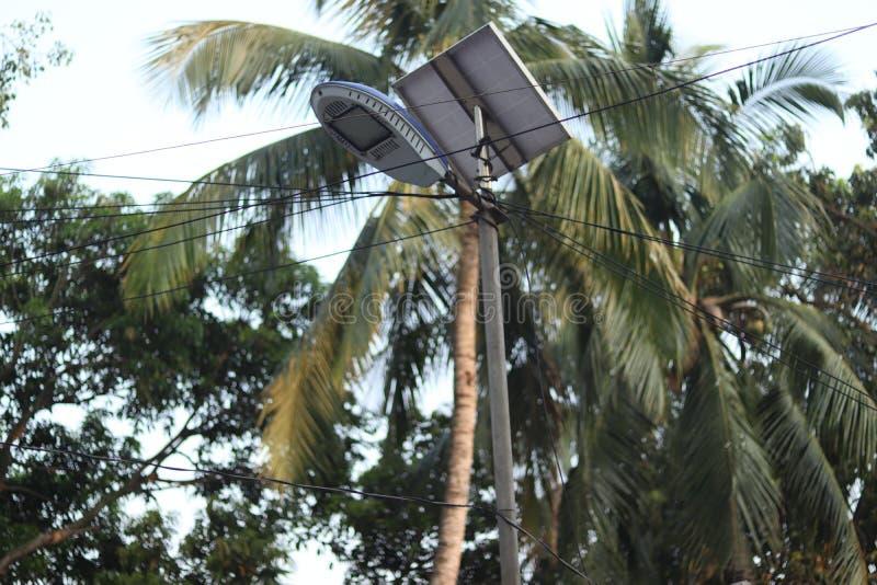 Уличный свет солнечной энергии стоковое изображение rf