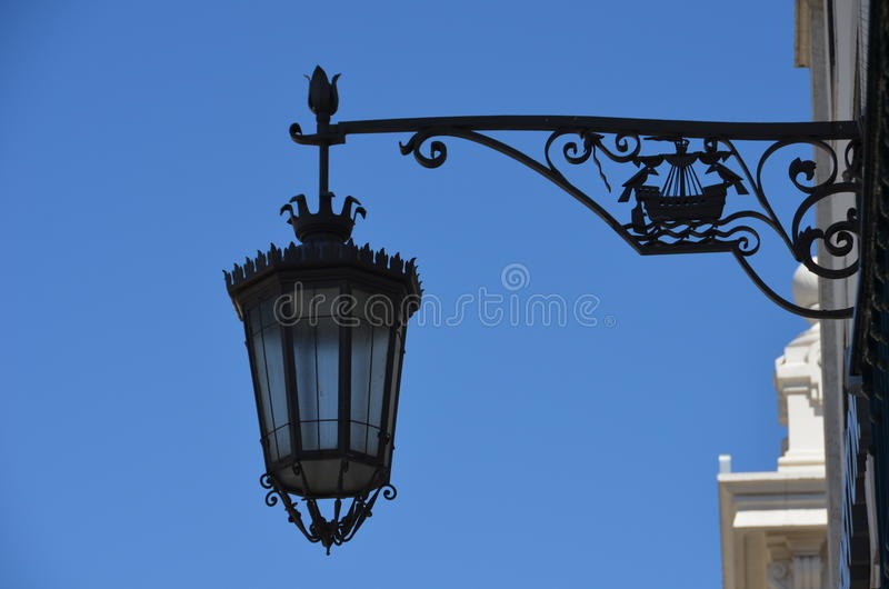 Уличный фонарь Лиссабон стоковые фотографии rf