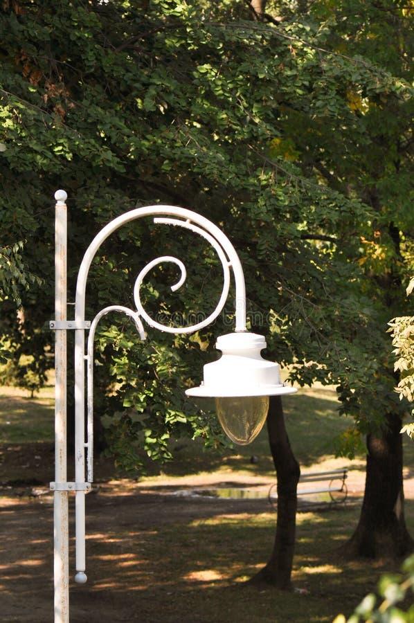 Уличный фонарь на парке стоковое фото