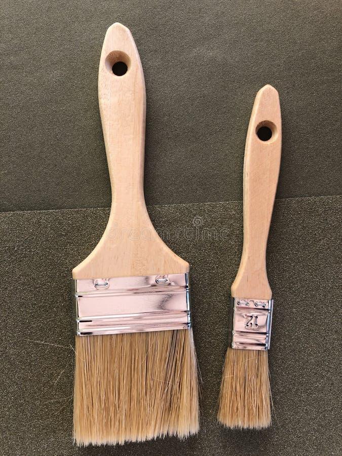 Улучшения дома и DIY, 2 кисти стоковое фото rf