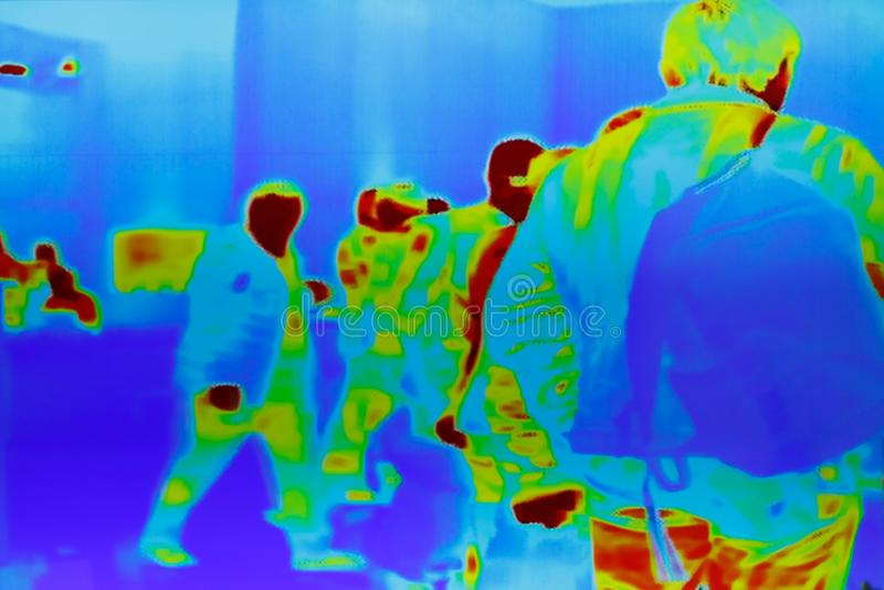 Ультракрасное термальное изображение группы в составе пассажиры стоковые изображения