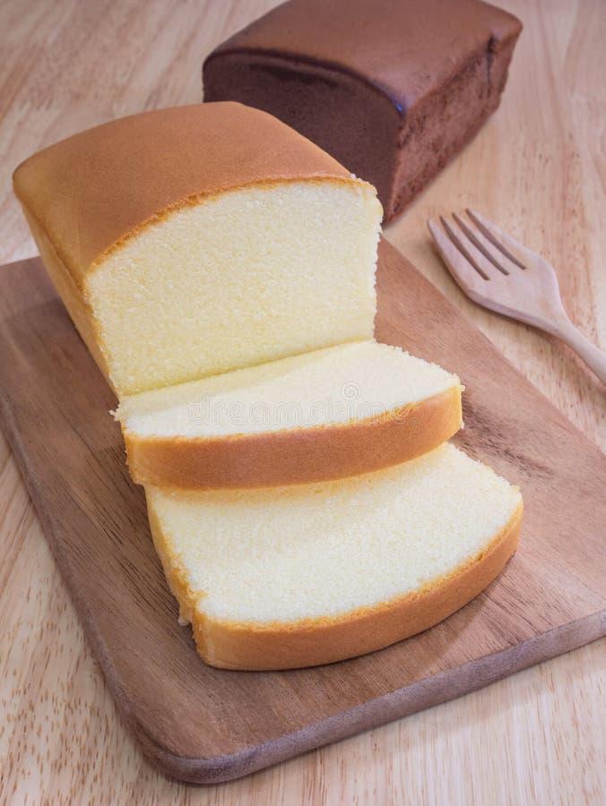 Умаслите торт для послеполуденного чая, испеченного коричневого цвета дня рождения пекарни стоковая фотография rf