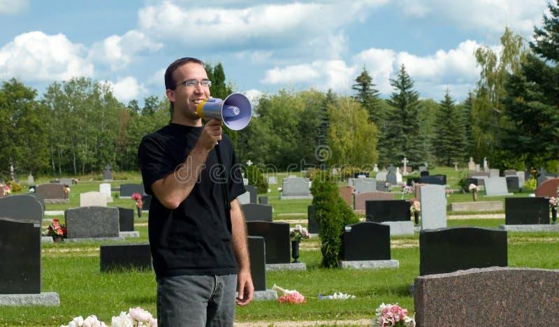 умершие надевают бодрствование t поднимающее вверх стоковое фото