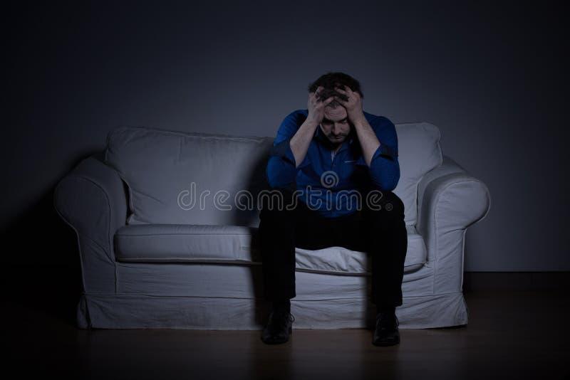 Умственно сломленный человек стоковая фотография