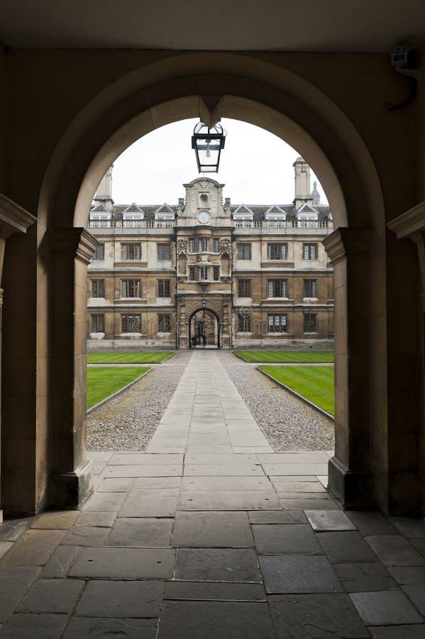 университет входа коллежа cambridge clare стоковые фотографии rf