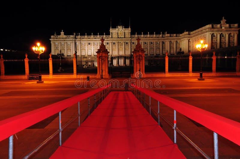 Уникально и редкий полуночный состав королевского дворца Мадрида стоковые фото
