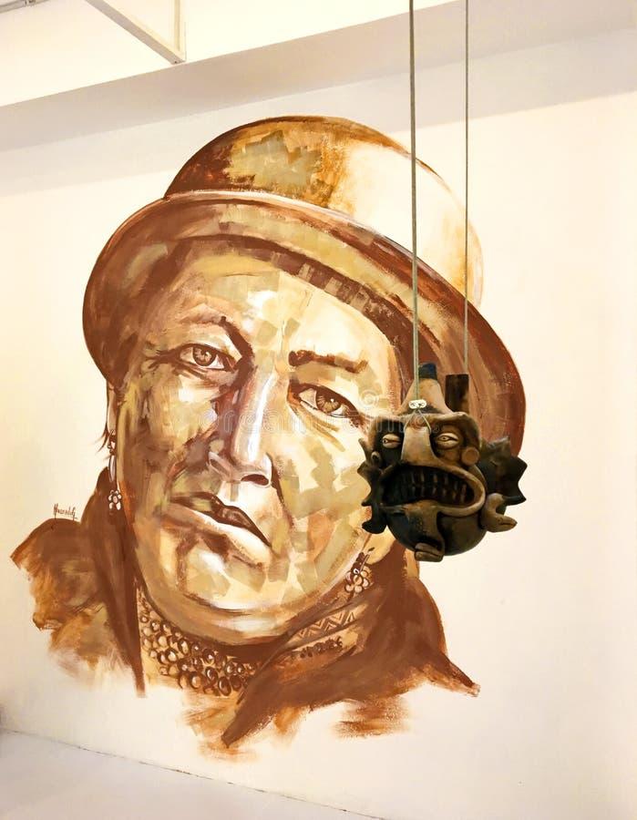 Уникально настенная роспись и приостанавливанная древесина высекая в современном музее стоковое изображение