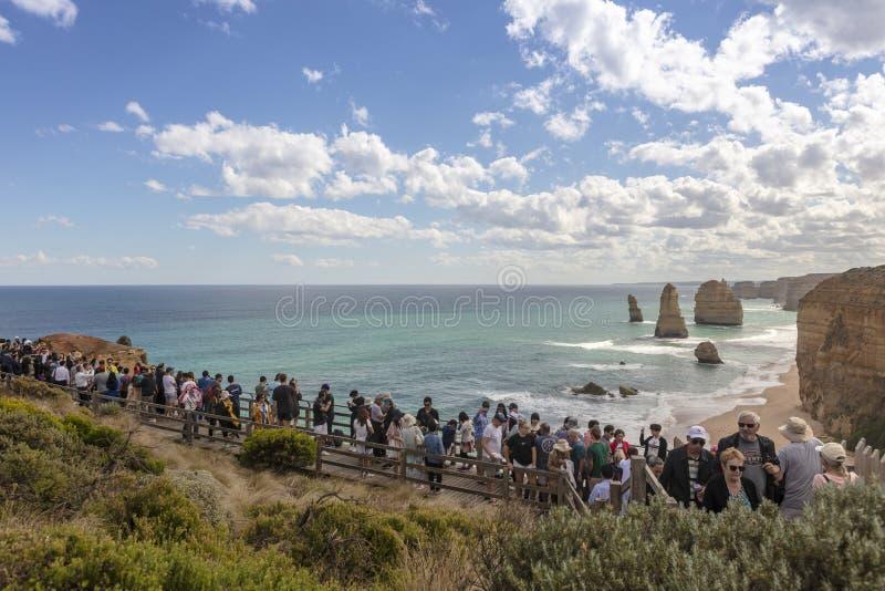 Уникальный пейзаж побережья южного океана вдоль большей дороги океана в Австралии стоковое изображение