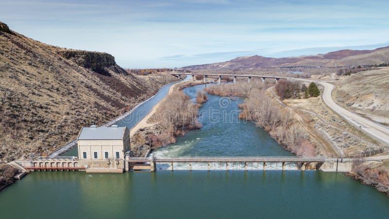 Уникально взгляд запруды диверсии на приливе реки Boise стоковые изображения