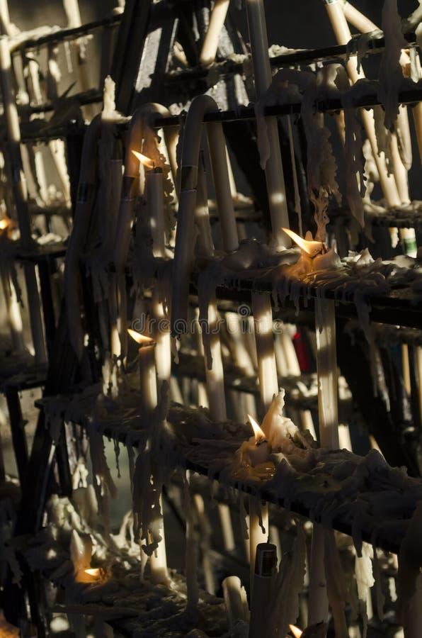 Уничтоженные ligts свечи на часовне Rocioстоковая фотография rf